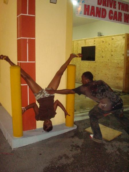 pussy pop on a handstand